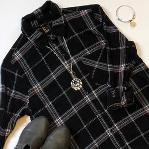 Forever21 - Black Flannel With Pocket -Size Small